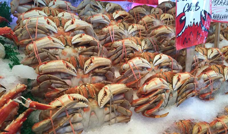Crabs on ice in a fish market